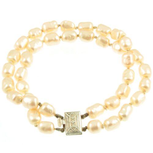 Faux pearl bracelet - top view