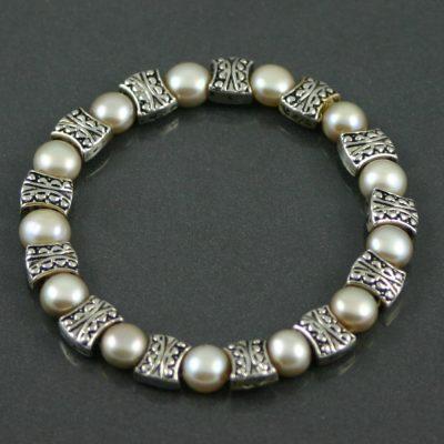 Freshwater pearl Bracelet circa 1980s