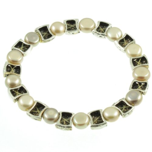 Freshwater pearl bracelet - inside view