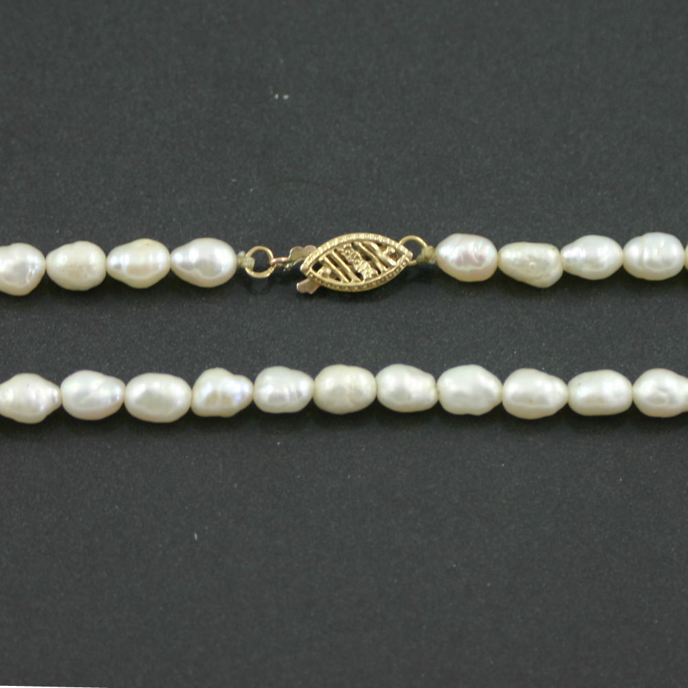 Single Strand Baroque pearl necklace 1960s
