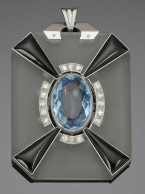 Art Deco jewellery diamond and onyx pendant