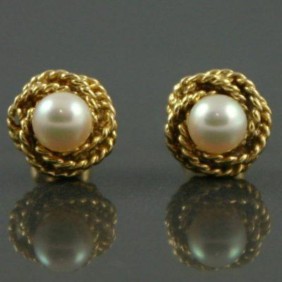 18ct Gold & Pearl earrings