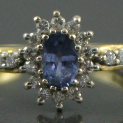 Ceylon Sapphire & Diamond ring set in 18ct gold