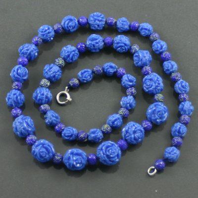 1940s Carved Bakelite Necklace
