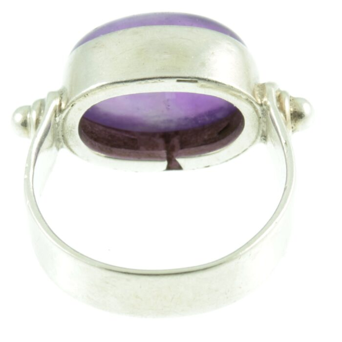 Oval Cabochon Amethyst ring - inside view