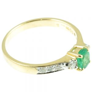 18ct gold Emerald and diamond ring - side view