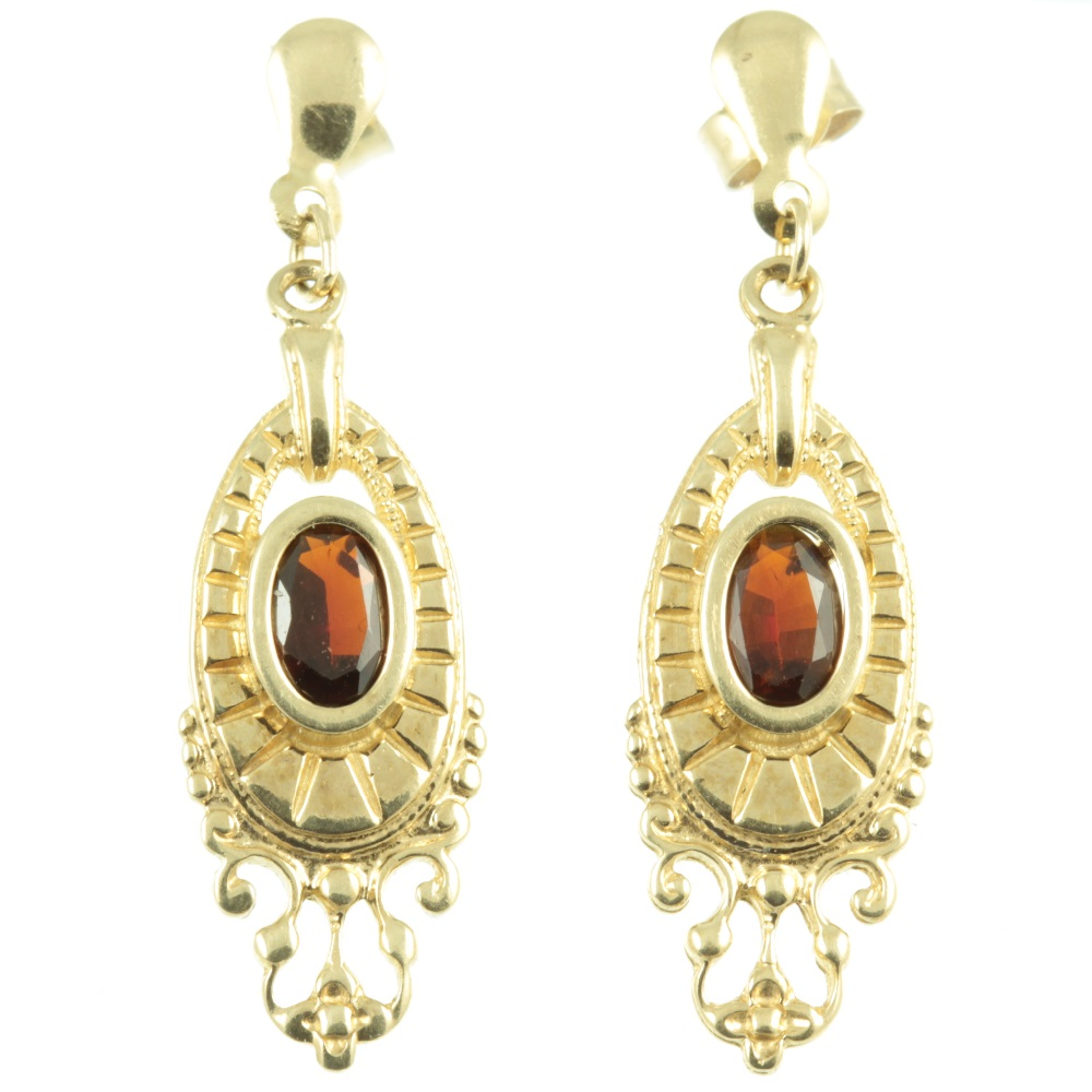 9ct gold garnet earrings