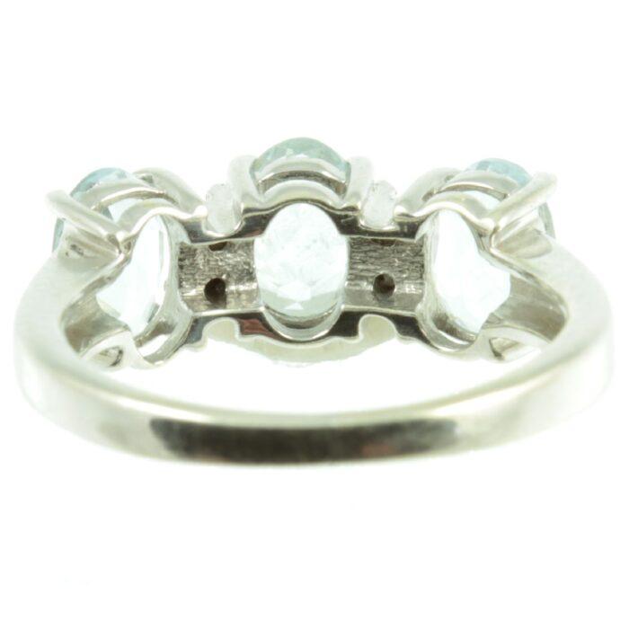 Three stone aquamarine ring - inside view