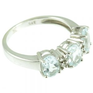 Three stone aquamarine ring - side view