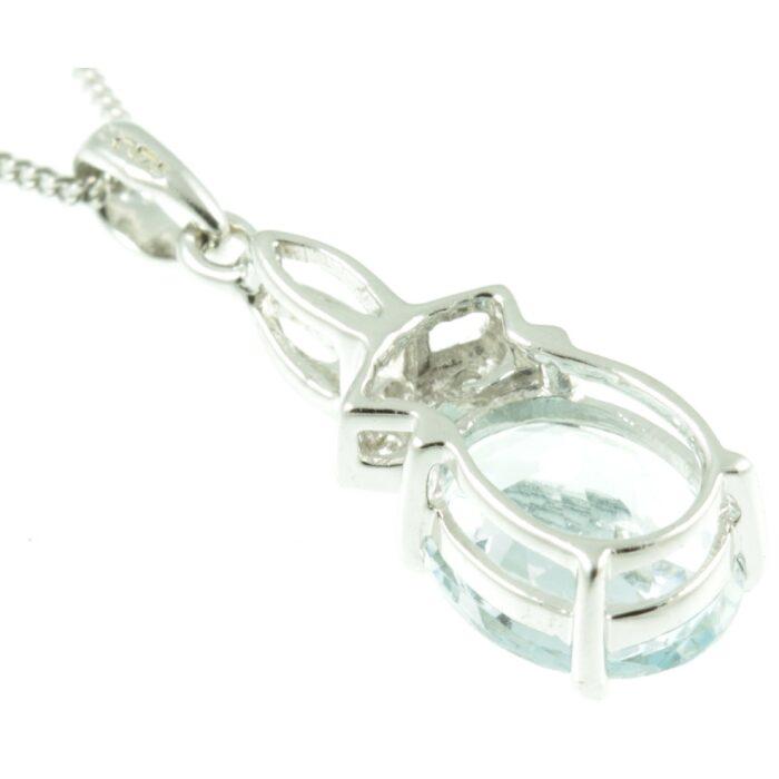 9ct Gold Aquamarine & Diamond Pendant