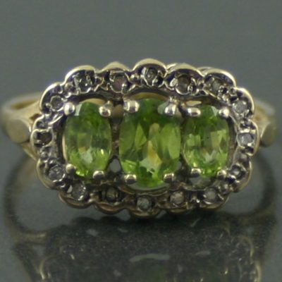 9ct gold Victorian peridot and diamond ring