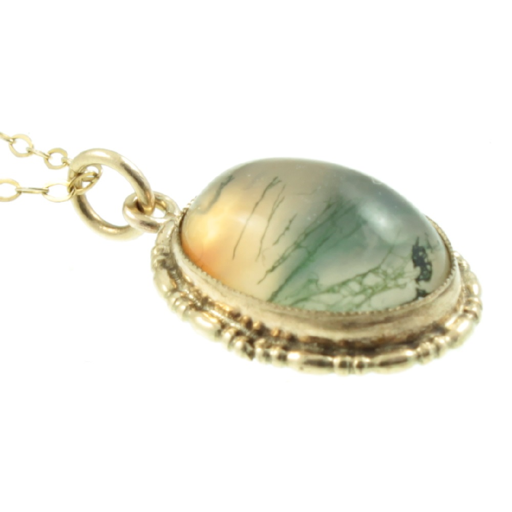9ct gold moss agate pendant
