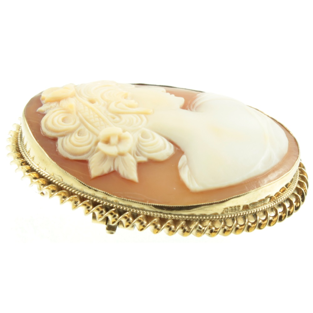 9ct Yellow Gold Cameo Brooch Vintage