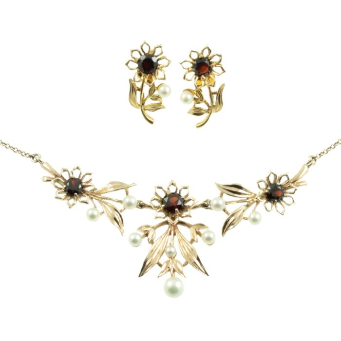 9ct gold garnet necklace and earring set