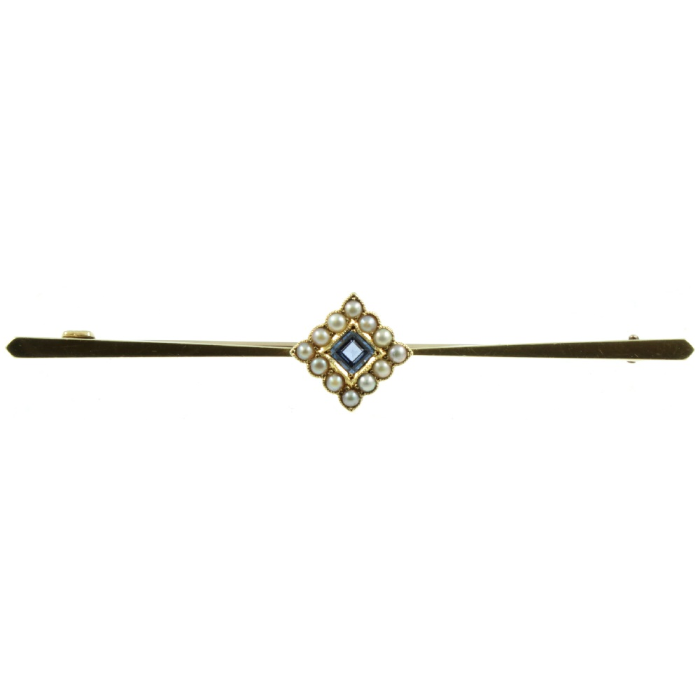 Edwardian 15ct gold sapphire brooch