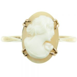 Victorian 9ct gold cameo ring