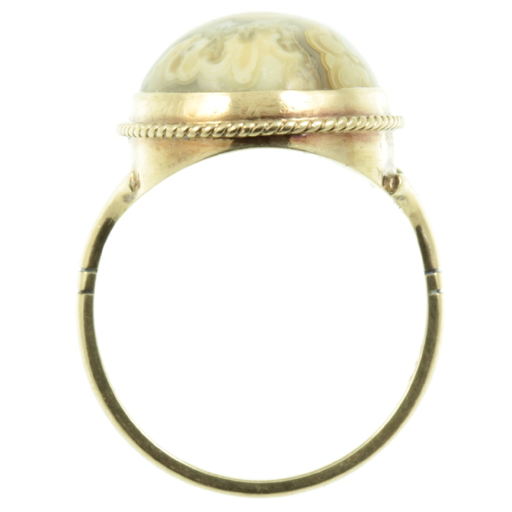 9ct Gold Agate Ring