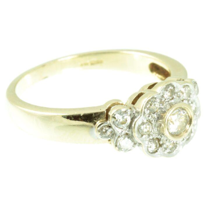Vintage 9ct gold diamond ring